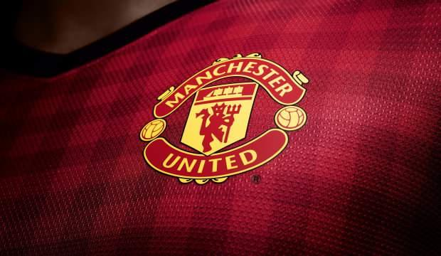 Manchester United'dan maaş kararı!
