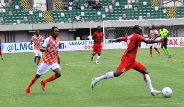 Nijerya'da futbol maçları bir ay ertelendi