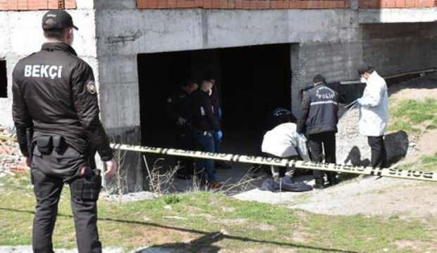 8 katlı inşaatın girişinde erkek cesedi bulundu