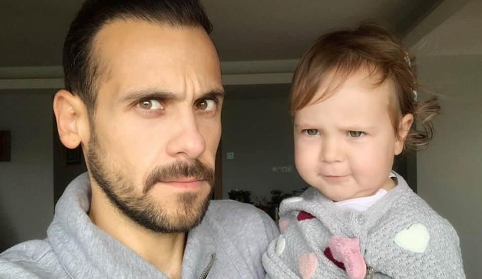 Ümit Erdim'in 1 yaşındaki kızı Ses İngilizce konuşuyor!