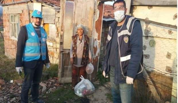 Din görevlileri vatandaşların yardımına koşuyor