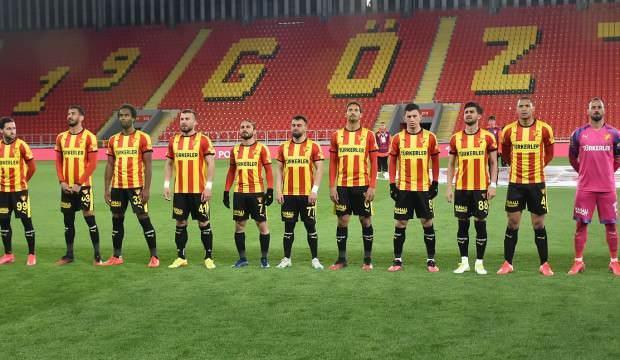 Göztepe'de teknik heyet ve futbolculara koronavirüs testi yapıldı
