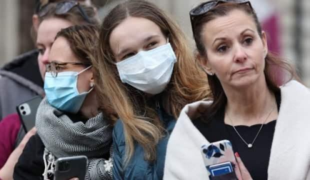 İngiltere'de koronavirüsten ölenlerin sayısı 465'e yükseldi