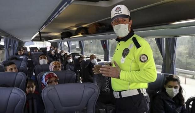 Polisten yolcu otobüslerine koronavirüs denetimi