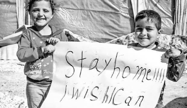 İdlib'li çocuklardan utandıran koronavirüs mesajı