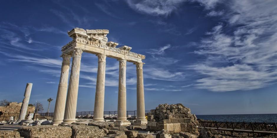 Tarihi Apollon Tapınağı'na koronavirüs etkisi