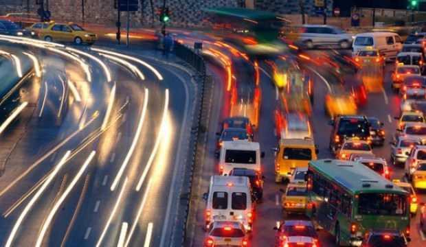 Virüs yayılıyor trafik azalıyor