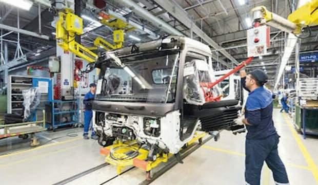 Otomobil fabrikaları üretimi durdurdu! Maske üretimine geçti