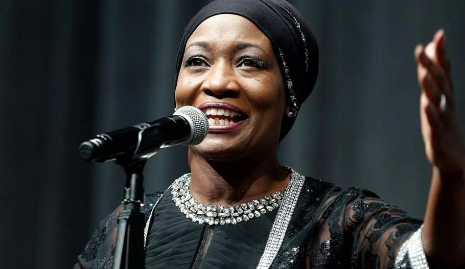 ABD'li şarkıcı Della Miles: 'Bizimkilere eğitim versinler!'