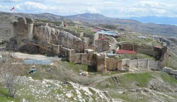 Elazığ'ın tarihi Harput Mahallesi ziyarete kapatıldı