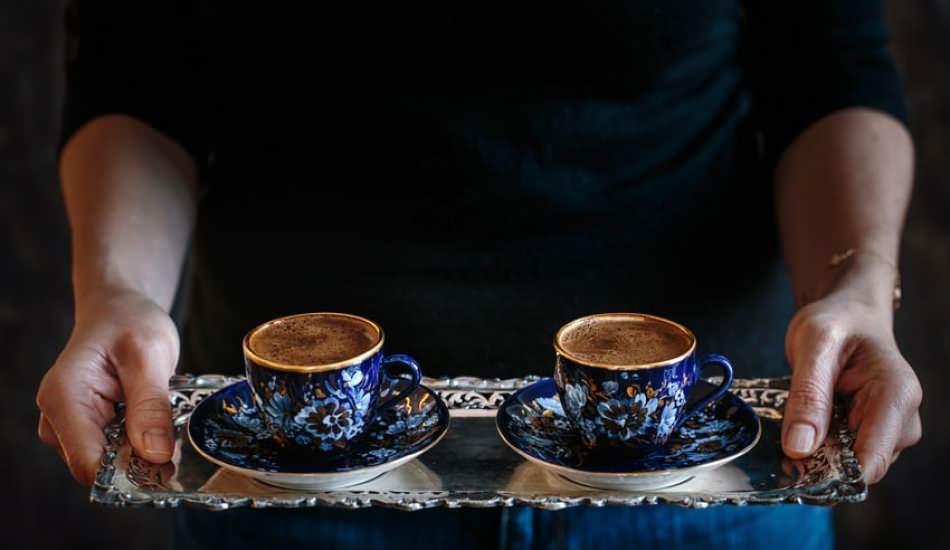 Kahvenin acılığı nasıl giderilir? Türk kahvesinin acısını gidermek için yöntemler