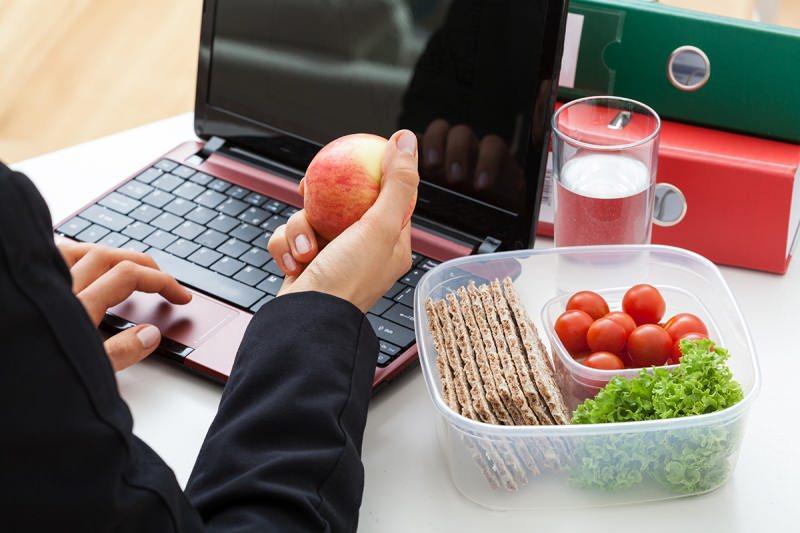 karantinada zinde kalmanın en iyi yolu sağlıklı beslenme