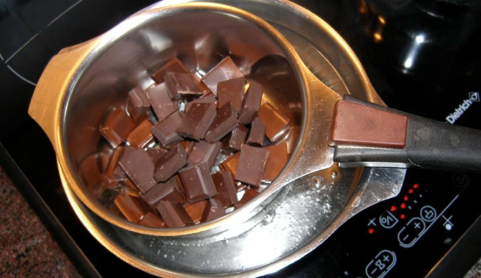 Benmari usulü ne demek? Benmari usulü en kolay çikolata eritme yöntemi