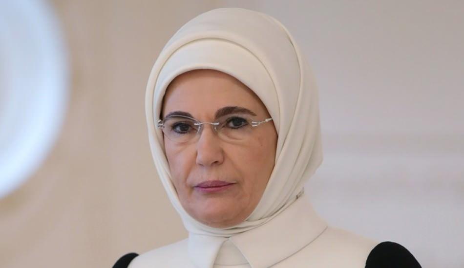 Emine Erdoğan'dan 'Elbet Bir Gün Buluşacağız' şarkısıyla 'Evde Kal' çağrısı!