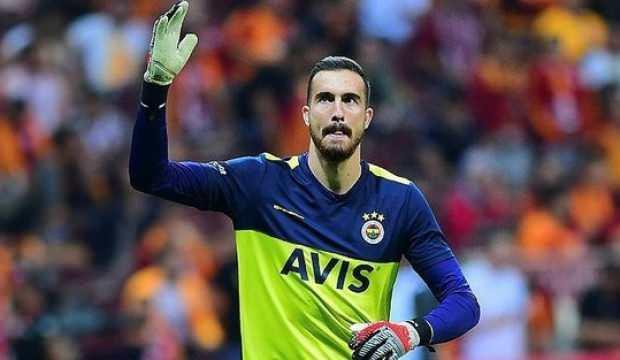 Fenerbahçe'de sürpriz! Ayrılmak istediğini yönetime bildirdi