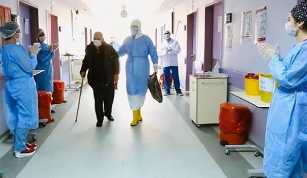 Koronavirüsü yenen 84 yaşındaki hasta taburcu edildi