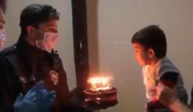 Minik Rıdvan'ın doğum günü pastasını polisler getirdi