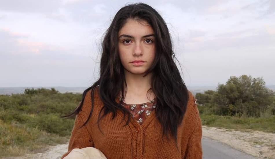 Hazar Ergüçlü'den '16 yaş' paylaşımı!