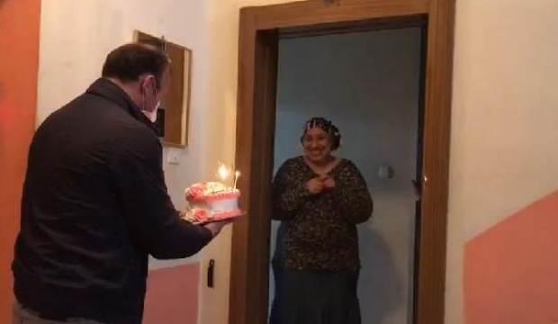Ambulans şoförü, 28 gün sonra evine gidip, eşine sürpriz yaptı