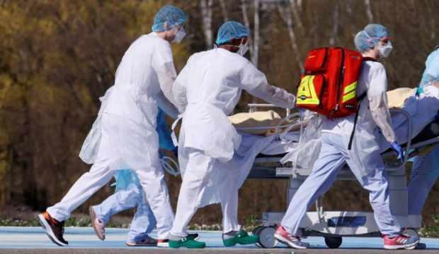 Brezilya'da son 24 saatte koronavirüs nedeniyle 263 kişi öldü