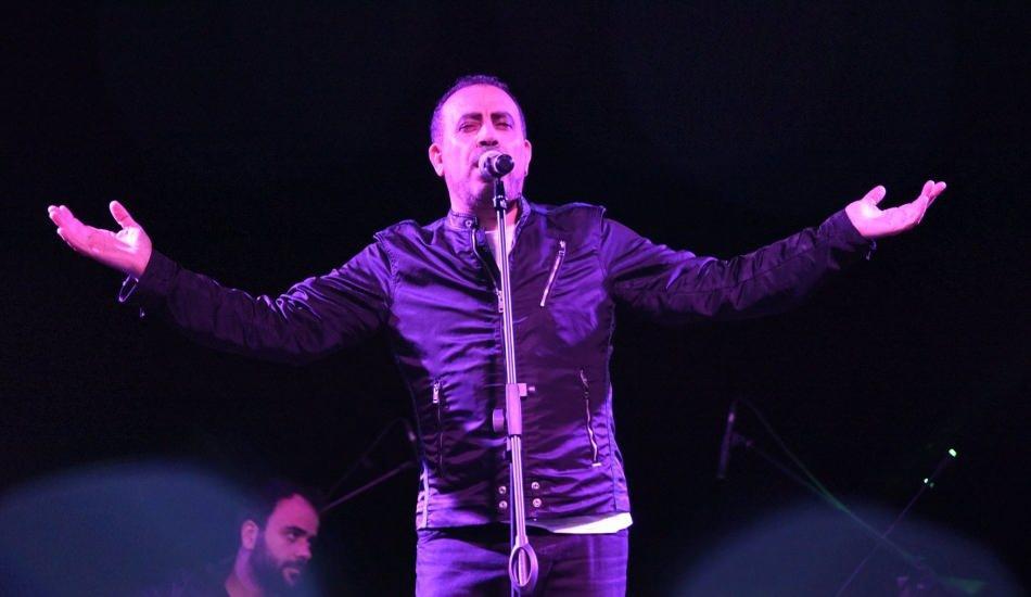 Haluk Levent  İzmir'de 100. yıl konseri verdi