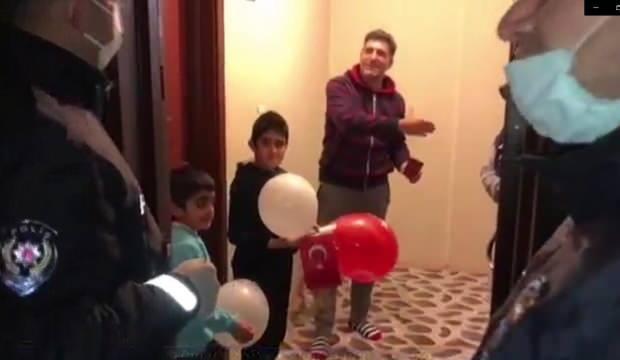 Minik Hamza 155'i arayarak Türk Bayrağı İstedi