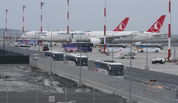 Romanya'daki Türk vatandaşları yurda getirildi