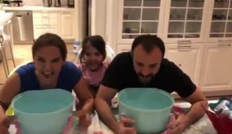 Demet Akalın ile Okan Kurt kızlarıyla video çekti!