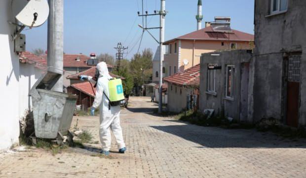 Bursa'nın karantinaya alınan mahallesinde dezenfekte çalışması