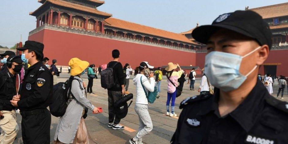 Koronavirüs'ün merkezi Çin'de park ve müzeler yeniden ziyarete açıldı