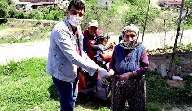 Yaşlı kadından 5 bin liralık bağış!