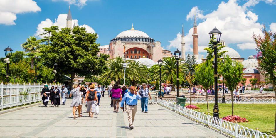 Yerli turist seyahate 177 milyar lira harcadı