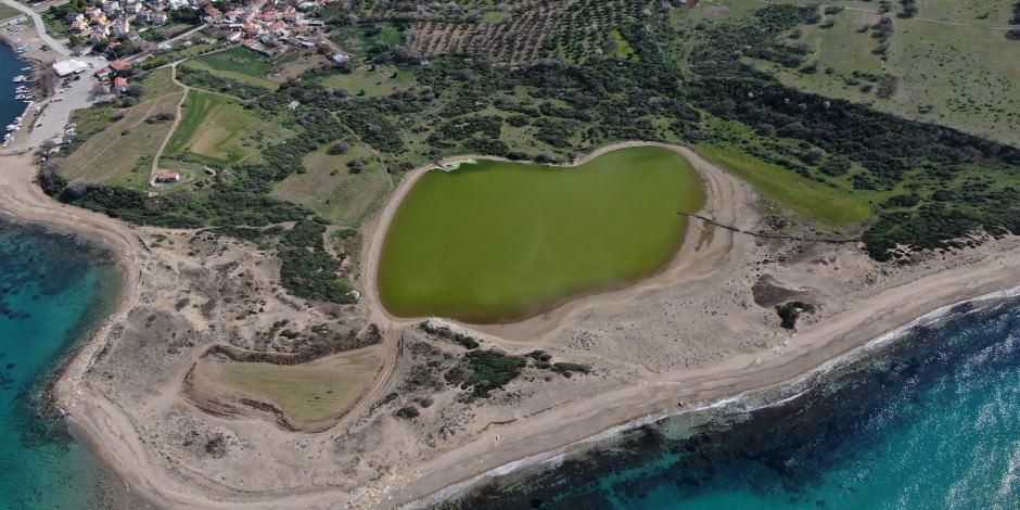 """Çanakkale'nin kalp şeklindeki """"Pembe Gölü"""""""