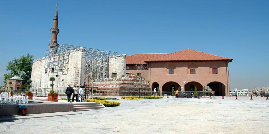 Hacı Bayram-ı Veli Camii Ankara'nın ibadet merkezi