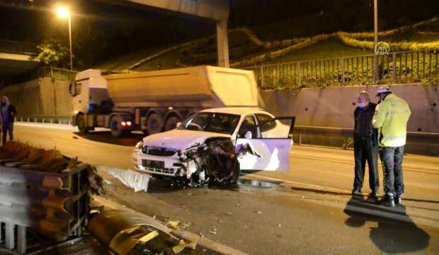 İstanbul'da boş yolda kaza! Araçtaki bir kişi yaralandı