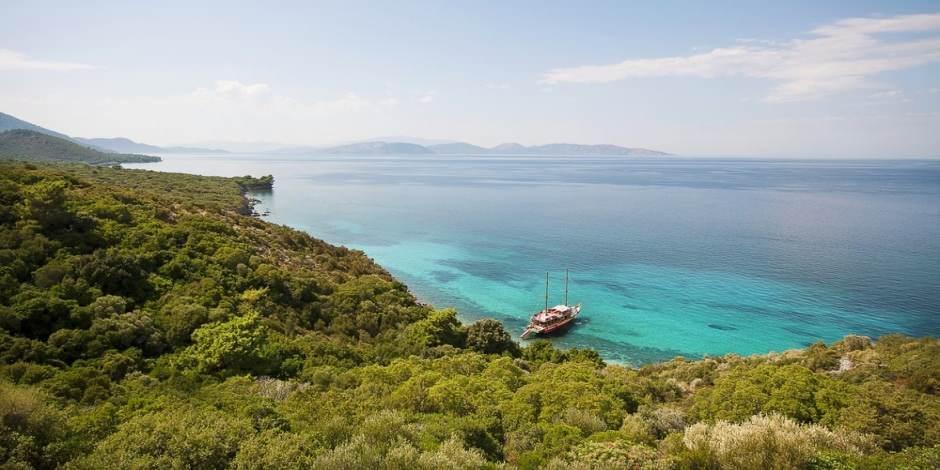 Maviyle yeşilin buluştuğu yer: Dilek Yarımadası