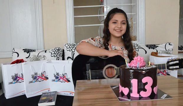 Kalp hastası Ceren'in gitar hayali doğum gününde gerçek oldu