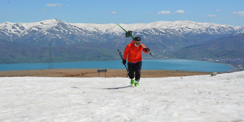 Mayıs ayında kayak keyfi: Nemrut Kayak Merkezi