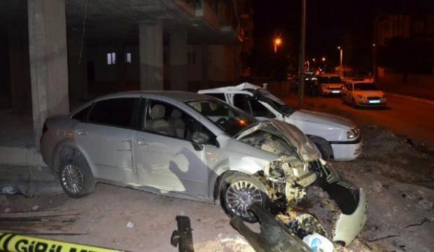 Polis aracı, kovalamaca sırasında otomobil ile çarpıştı: 5 yaralı