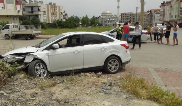 17 yaşındaki ehliyetsiz sürücü kaza yapıp kaçtı