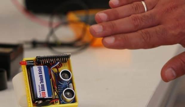 Yerli 'sosyal mesafe' cihazı ürettiler