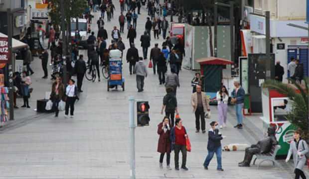 İzmir'de sokağa çıkma kısıtlamasına  uymayanlara 3 milyon TL ceza