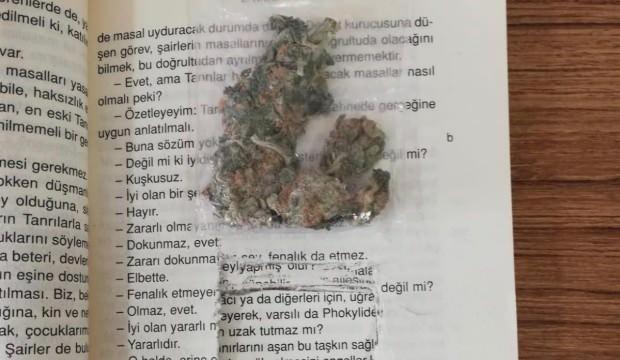 Kargodan gelen kitaptan uyuşturucu çıktı