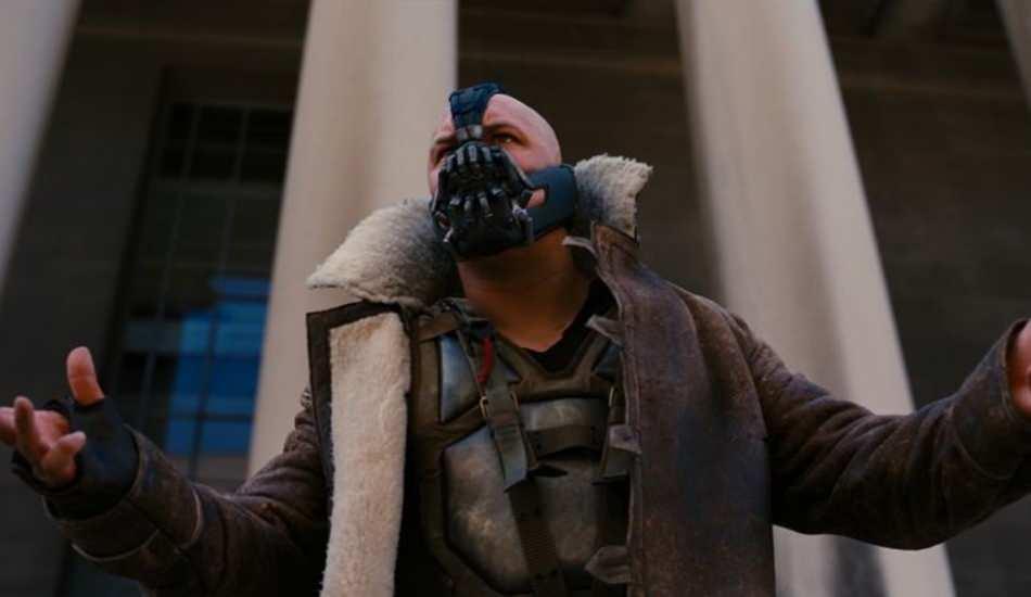Koronavirüs salgını nedeniyle Kara Şövalye Yükseliyor filmindeki maske yok satıyor!