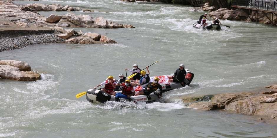 Rafting sezonu Tunceli'de açıldı