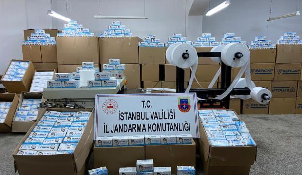 Sultangazi'de maske operasyonu: 800 bin maske ele geçirildi