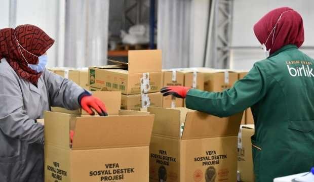 Tarım Kredi'den 700 bin gıda kolisi!