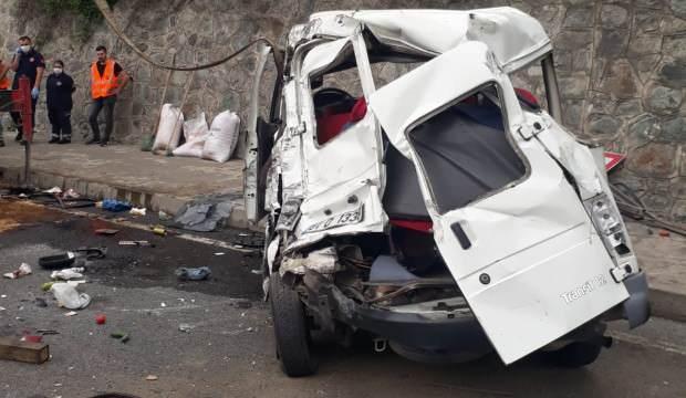 Trabzon'da kamyonun çarptığı minibüsteki öğretim görevlisi kadın öldü