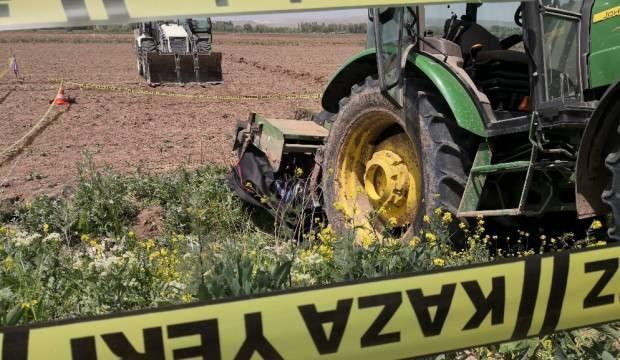 Traktörü temizlemek isteyen çiftçinin acı ölümü
