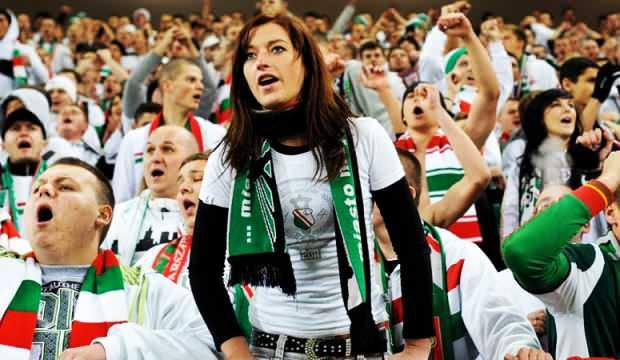 Avrupa bunu konuşuyor! Seyircili maç kararı